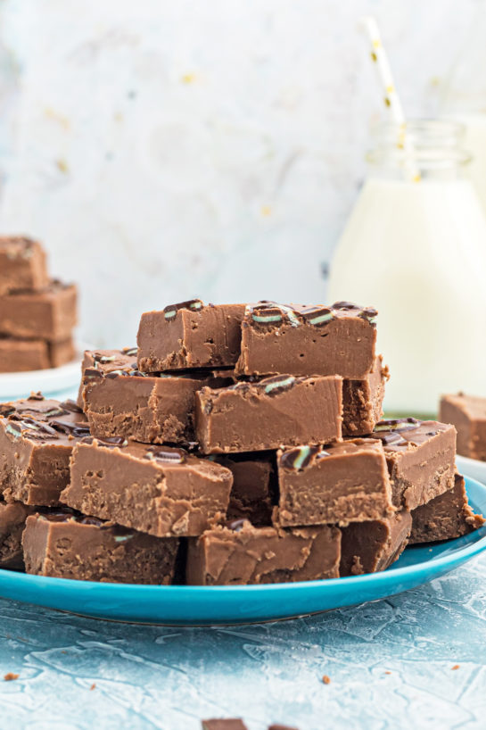 This is a super easy recipe for Andes Candy Mint Fudge!Rich, mint chocolate flavored Andes fudge will quickly become one of yourfavorite easydessert recipes!