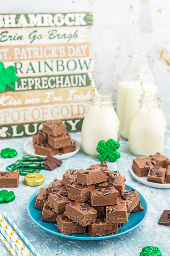 This is a super easy recipe for Andes Mint Fudge!Rich, mint chocolate flavored Andes fudge candy will quickly become one of yourfavoritedessert recipes!