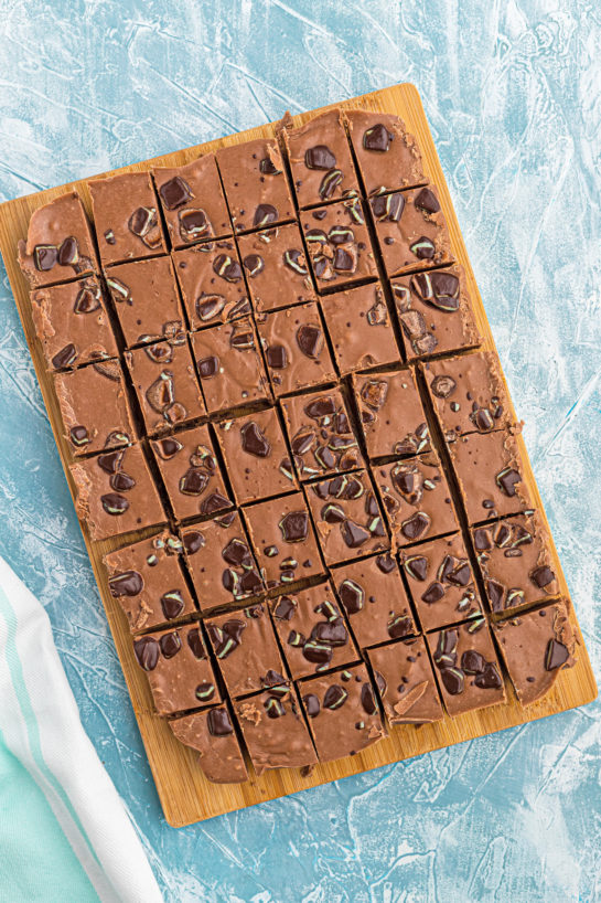 This is a super easy recipe for Andes Mint Fudge!Rich, mint chocolate flavored Andes fudge will quickly become one of yourfavoritefudge recipes!