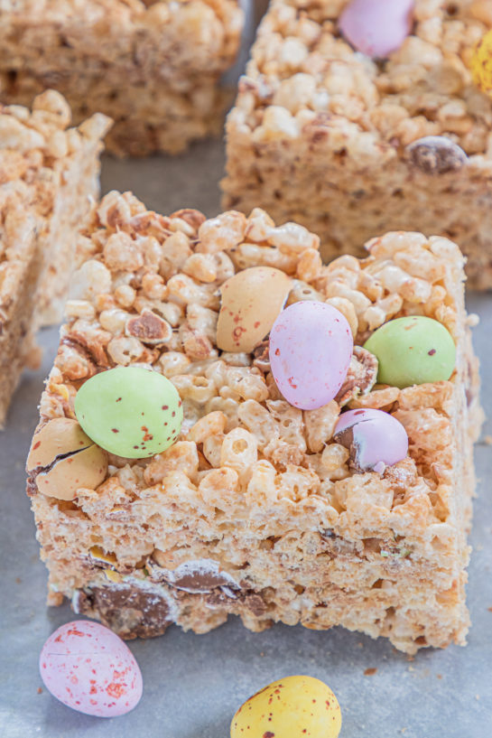 No-Bake Mini Egg Rice Krispie Treats are a deliciously addictive dessert recipe for Easter! They're super easy and fun to make with kids. The perfect Easter sweet treat!