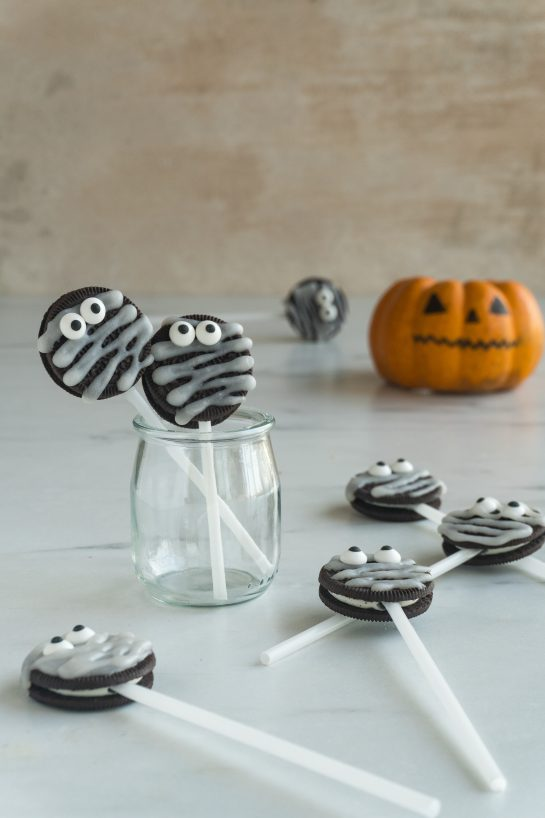 Complete shot ofHalloween Mummy Oreo Pops recipe for Halloween